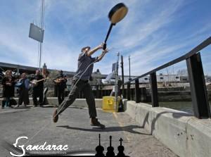 27 - banjo tossing