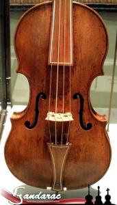 16 - Amati violin