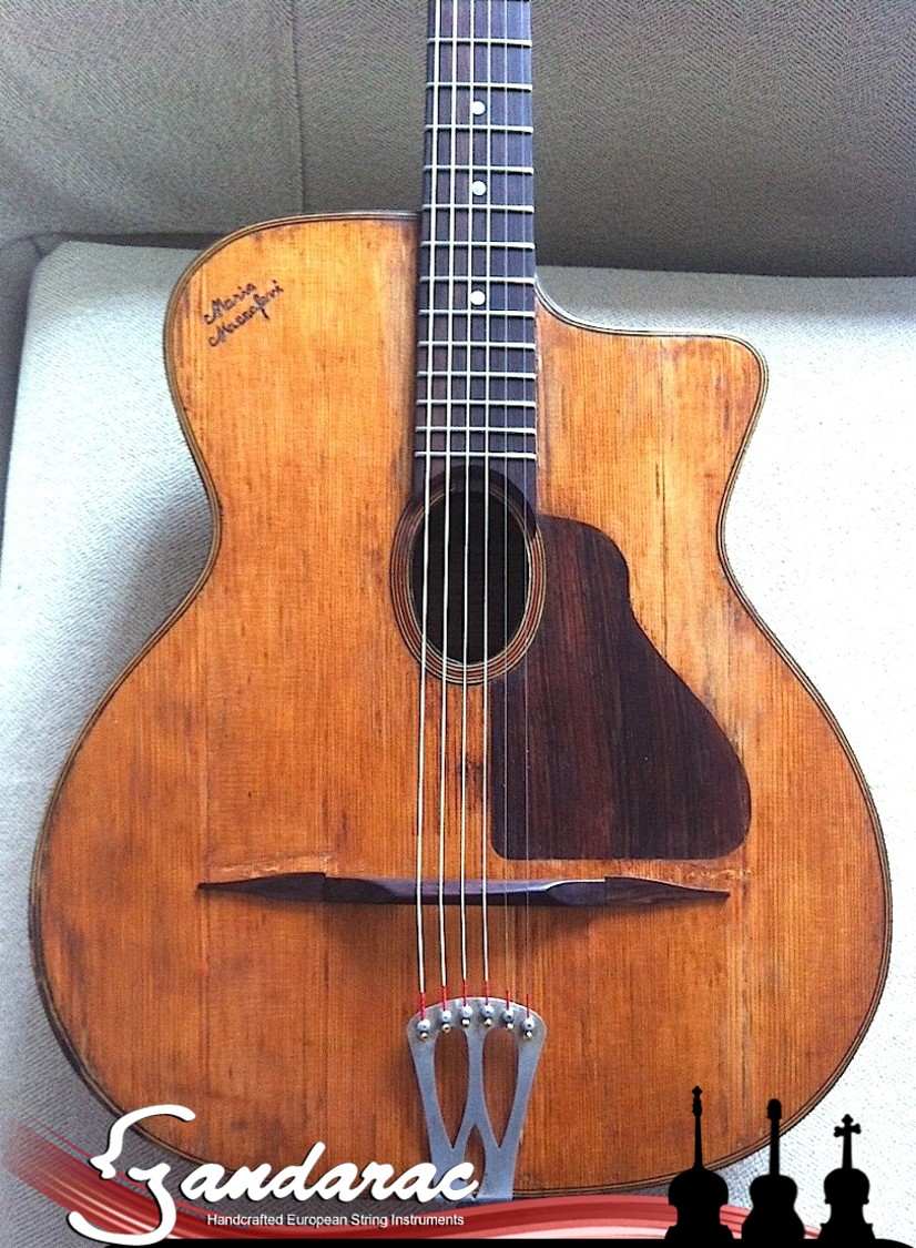 07 - maccaferri guitar